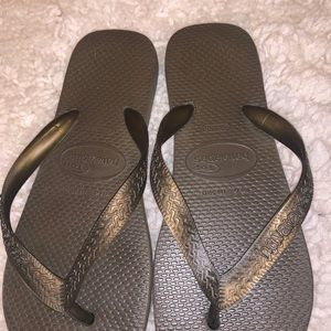 ❤️SALE! bundle of two pairs of havaianas❤️must go!